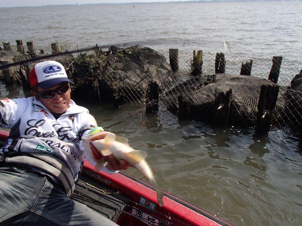 至近距離でプロの釣りを激写!!